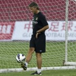 Roberto Mancini Pulls Off Lovely Little Backheel Pass In Man City Training (Video)