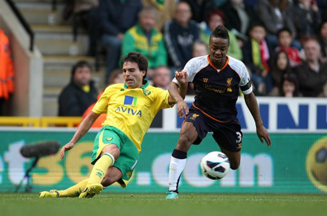 Soccer - Barclays Premier League - Norwich City v Liverpool - Carrow Road