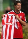 Soccer - Michael Owen joins Stoke City