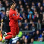 Football GIF: Luis Suarez Trolls David Moyes With Mock Swan Dive Goal Celebration