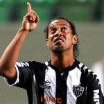 Ronaldinho Curls Flukey Beauty In At Far Post vs Figueirense, Bursts Into Tears On Emotional Day (Video)