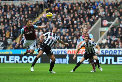 Soccer - Barclays Premier League - Newcastle United v West Ham United - St James' Park