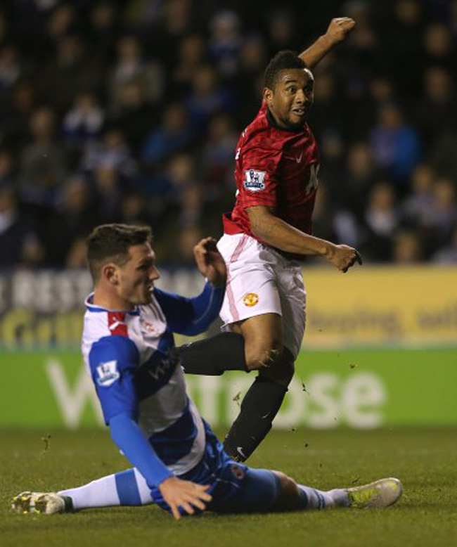 Soccer - Barclays Premier League - Reading v Manchester United - Madjeski Stadium