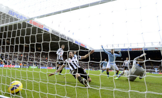 Soccer - Barclays Premier League - Newcastle United v Manchester City - St James' Park