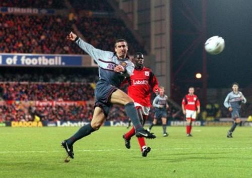 Soccer - Nottingham Forest v Manchester United