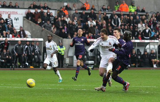 Soccer - FA Cup - Third Round - Swansea City v Arsenal - Liberty Stadium