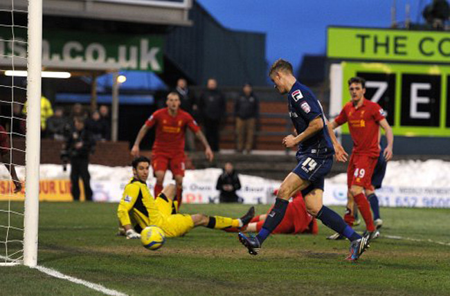 Soccer - FA Cup - Fourth Round - Oldham Athletic v Liverpool - Boundary Park