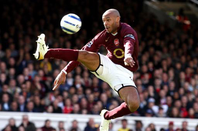 Soccer - FA Barclays Premiership - Arsenal v Aston Villa - Highbury