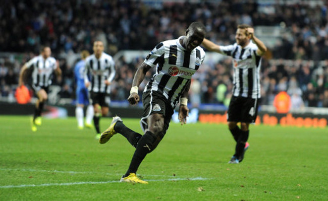 Soccer - Barclays Premier League - Newcastle United v Chelsea - St James' Park