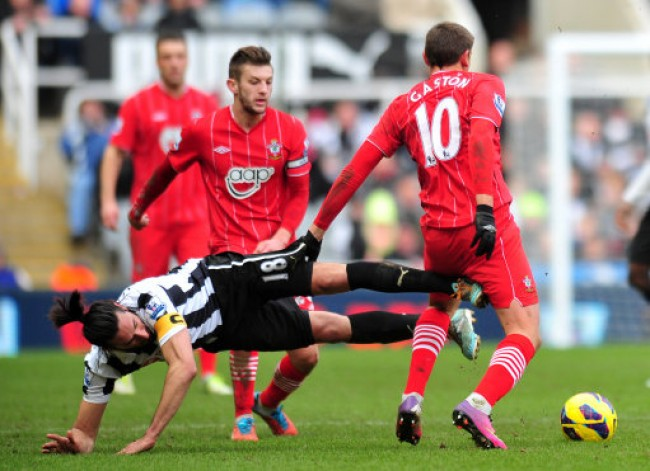 Soccer - Barclays Premier League - Newcastle United v Southampton - St James' Park