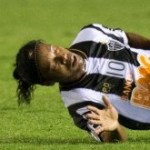 Defender Does His Best To Nobble Ronaldinho With Disgusting Airborne Two-Footer (Video)