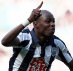 West Brom's Youssouf Mulumbu Loses Plot, Lashes Ball At Gary O'Neill (Video)