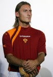Il Capitano models Roma's new strip for the 2005/06 season