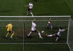 Soccer - Barclays Premier League - West Ham United v Manchester United - Upton Park