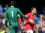 Javier Hernandez begrudgingly congratulates Petr Cech on his excellent save