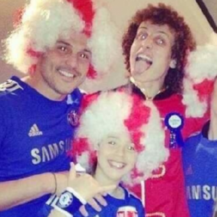 QPR Not Happy Bunnies After Julio Cesar Pictured In Chelsea Kit At David Luiz's Birthday Party