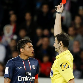 Thiago Silva Shown Straight Red For Gently Touching Referee's Nipple vs Valenciennes (Video)