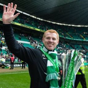 Celtic Manager Neil Lennon Hands SPL Winner&#8217;s Medal To Young Girl In The Crowd (Video)