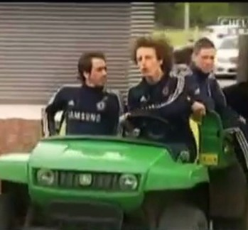David Luiz Takes Yossi Benayoun And Fernando Torres For Little Drive Around Chelsea's Training Ground (Video)