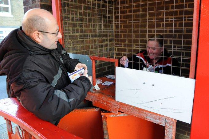 Soccer - npower Football League One - Brentford v Charlton Athletic - Griffin Park