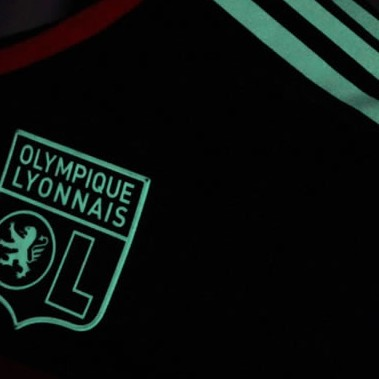 Olympique Lyon's New 2013/14 Third Kit Is 'Glow In The Dark' (Photos)
