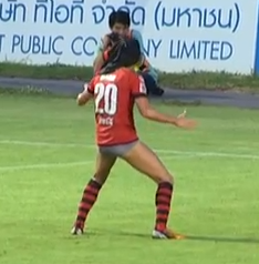 Muangthong United's Mario Gjurovski Celebrates Goal In His Pants, Sent Off With Shorts Around Ankles (Video)