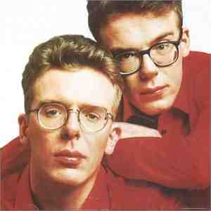 Sir Alex Ferguson&#8230;On Stage&#8230;Singing &#8216;I Would Walk 500 Miles&#8217;&#8230;With A Live Band&#8230;In A Silly Hat (Video)