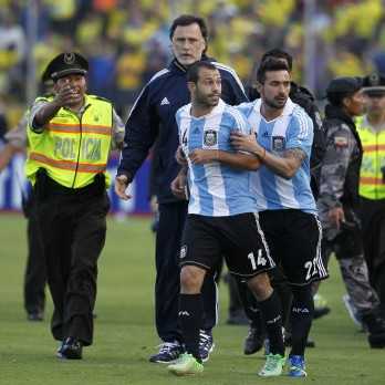 Javier Mascherano Sent Off For Kicking First Aid Cart Driver vs Ecuador (Video)