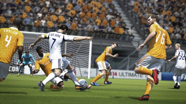 FIFA14_X360_NA_Physical_Play