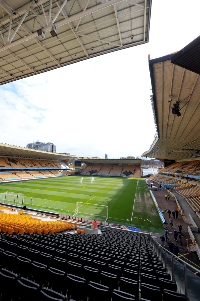 Soccer - npower Football League Championship - Wolverhampton Wanderers v Middlesbrough - Molineux