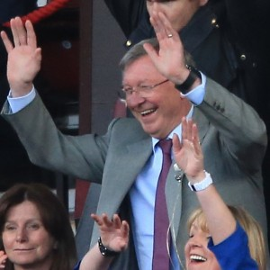 Man Utd Legends 1-2 Real Madrid Legends: Sir Alex Ferguson Joins In With Mexican Wave At Exhibition Game (Video)