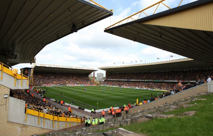 Soccer - Coca-Cola Football League Championship - Wolverhampton Wanderers v Doncaster Rovers - Molineux