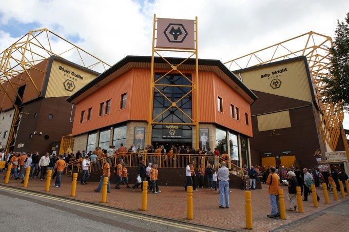 Soccer - Barclays Premier League - Wolverhampton Wanderers v West Ham United - Molineux