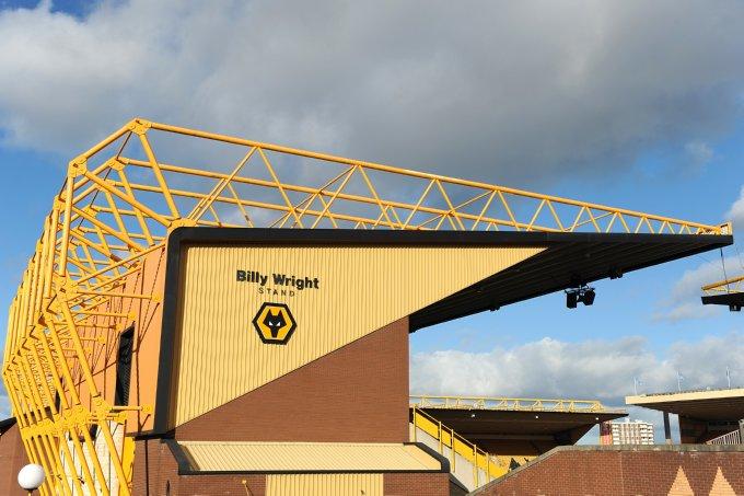 Soccer - Barclays Premier League - Wolverhampton Wanderers v Bolton Wanderers - Molineux