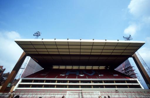 Soccer - European Cup - First Round First Leg - Aston Villa v Besiktas