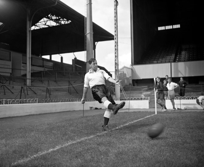 Soccer - Tottenham Hotspur Photocall - White Hart Lane