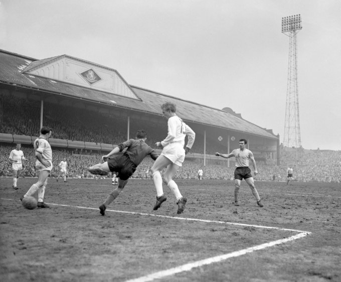 Soccer - FA Cup Semi Final - Manchester United v Southampton - Villa Park
