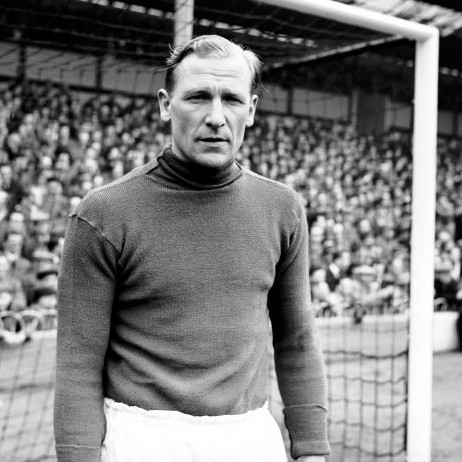 RIP Bert Trautmann – 16 Excellent Vintage Photos Of The Truly Legendary Man City Keeper In His Prime