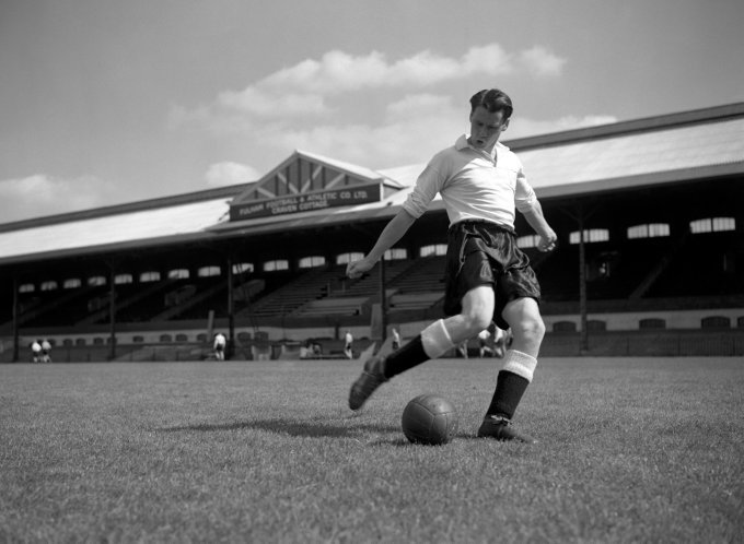 Soccer - Bobby Robson - Craven Cottage