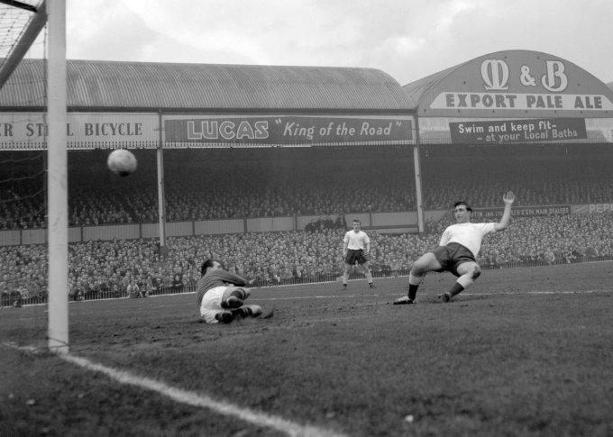 Soccer - FA Cup - Aston Villa v Tottenham Hotspur - Villa Park