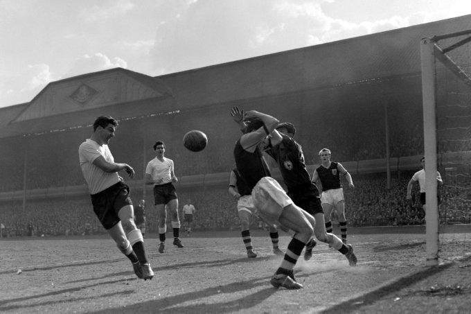 Soccer - FA Cup Semi-Final - Tottenham Hotspur v Burnley - Villa Park