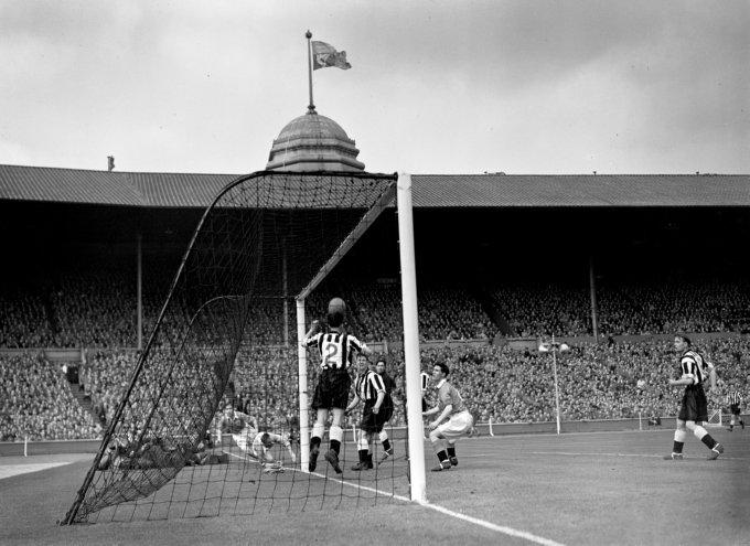 Soccer - FA Cup Final - Blackpool v Newcastle United - Wembley Stadium