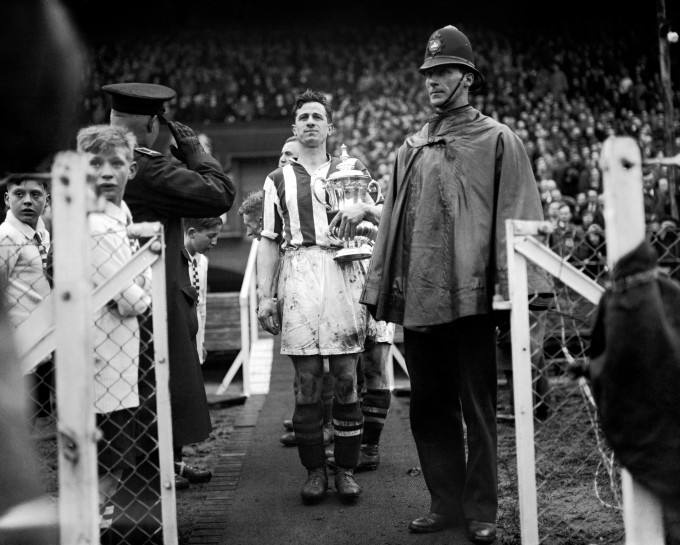 Soccer - FA Cup Final - West Bromwich Albion v Birmingham - Wembley