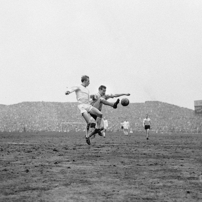 Soccer - FA Cup Semi-Final - Manchester United v Southampton - Villa Park
