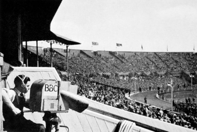Soccer - FA Cup Final - Blackpool v Manchester United - Wembley Stadium - London - 1948