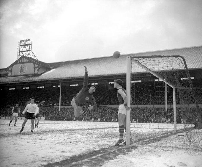 Soccer - FA Cup - Third Round - Tottenham Hotspur v Burnley - White Hart Lane
