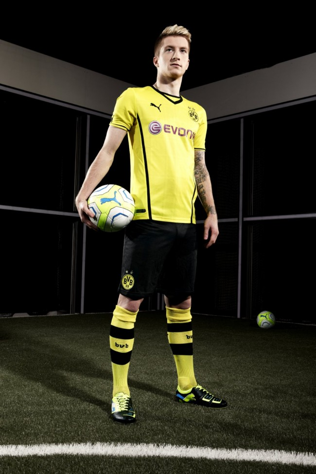 Marco Reus wearing the latest PUMA PowerCat 1 FG football boot.