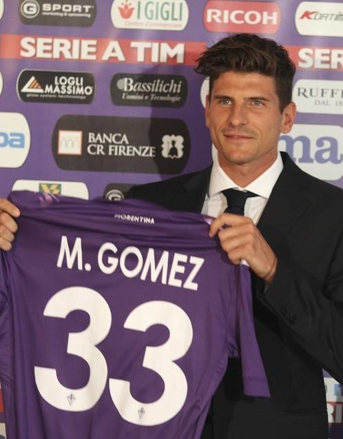 Italy Soccer Fiorentina Gomez