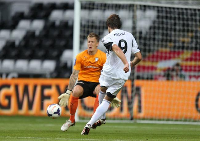Soccer - UEFA Europa League - Third Qualifying Round - First Leg - Swansea City v Malmo FF - Liberty Stadium