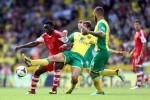 Soccer - Barclays Premier League - Norwich City v Southampton - Carrow Road